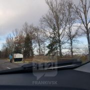 На Прикарпатті перекинувся мікроавтобус (ФОТО/ВІДЕО)