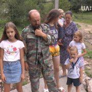 Сім'ю російського біженця Олега Бутусіна хочуть виселити з Грабівки