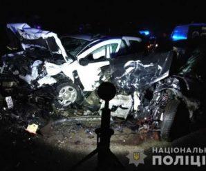 Травмованих деблокували із авто рятувальники: п'яний водій скоїв масштабну аварію із потерпілими на Рівненщині (фото)