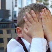 Дитина навчається у початковій школі:  вчителька побила учня