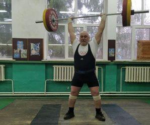 Франківець встановив п'ять рекордів на чемпіонаті України з важкої атлетики серед ветеранів
