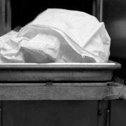 Мама так і не повірила дочці: 13-дівчинка, яка завагітніла від батька-ґвалтівника, померла під час пологів