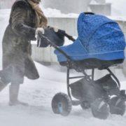"""""""Руки були холодні, як лід."""" Мати покинула немовля посеред вулиці. Ледь не замерзло"""