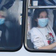 """""""Шок від дикості людей"""": евакуйовані з Китаю українці відреагували на події в Нових Санжарах"""