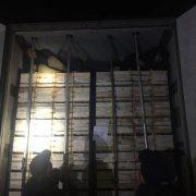Галицькі митники виявили у вантажівці напівпритомних нелегалів