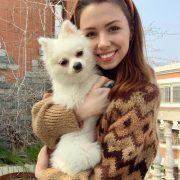 Українка не може повернутися з Уханя – держава заборонила в'їзд її собаці (ФОТО)