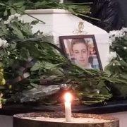 В Івано-Франківську прощаються з 14-річним хлопцем, який загинув під колесами потяга (ФОТО)