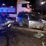 Прикарпатські поліціянти з'ясовують обставини ДТП, у якій двоє осіб травмовано (ФОТО)