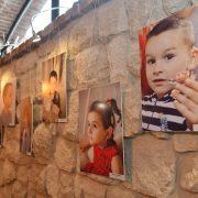 """""""Почуй мене"""": фотовиставку діток з обмеженим слухом відкрили в Івано-Франківську"""
