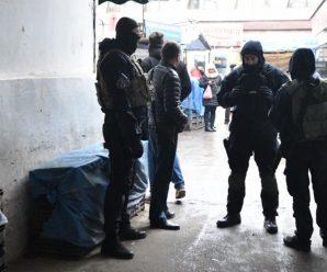 Центральний ринок Франківська вночі взяли під контроль силовики з Києва (ФОТО, ВІДЕО)
