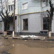 У Франківську з 9 поверху на дівчину впала металева конструкція (ФОТО)
