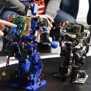 У Франківську дітей з порушеннями слуху безкоштовно навчатимуть робототехніки та програмування