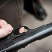 У Житомирі 10-річна дитина відкрила стрілянину по людях: є поранені