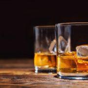 У Коломиї двоє дорослих напоїли неповнолітнього
