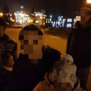 У Франківську на вокзалі чоловік побив дитину і погрожував вбити жінку (ФОТО)