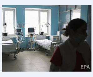 Кабмін України затвердив погодинну оплату медикам, які лікують пацієнтів із коронавірусом