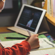 Безкоштовні онлайн-консультації до ЗНО проводять для прикарпатських школярів