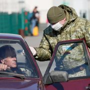 Українці продовжують масово повертатися додому з-за кордону