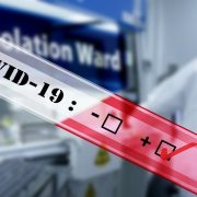 Названий найнебезпечніший спосіб передачі коронавіруса в Україні