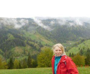 Донька франківчанки, яка зірвалась зі скелі в Карпатах, опублікувала останні фото матері (фото)