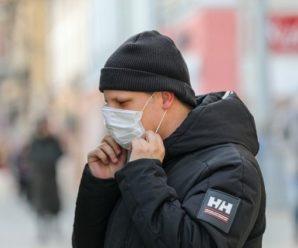 Франківця, який пив пиво на зупинці і не хотів вдягати маску, оштрафували на 17 000 гривень