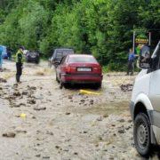 На Прикарпатті дороги державного значення стали непроїзними (ФОТО)