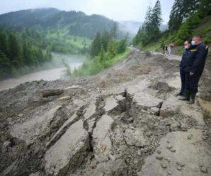 Руйнівна стихія на Буковині та Прикарпатті залишила людей без житла (Фото, Відео)