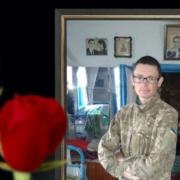 На могилі вбитого бійця ООС зупинилося серце його друга дитинства (ФОТО)