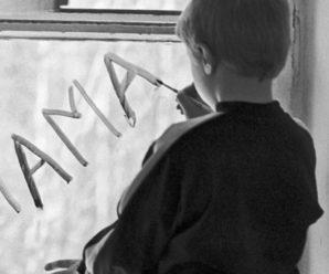 Кричав з вікна, благав врятувати: матір тижнями морила голодом 11-річного сина, поки розважалася із коханцем
