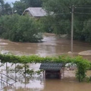 Повінь на Прикарпатті: в області залишаються повністю зруйнованими 93 мости